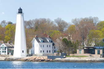 The Oldest Lighthouse In Connecticut Original New London Harbor Light Helped Guide Colonial Privateers Who Sought Shelter Up Thames River During